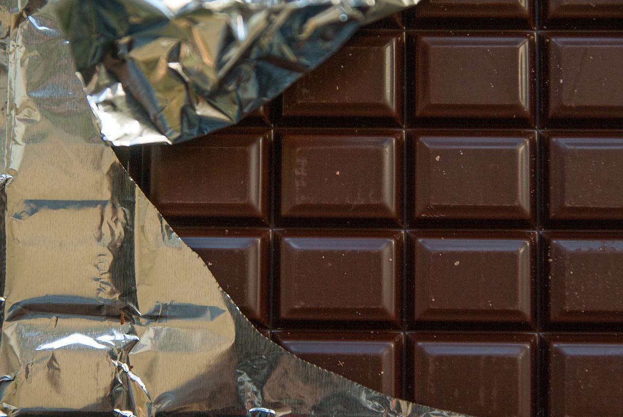板チョコみたいな腹筋